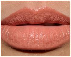 How-to-Wear-Nude-Lipstick-2