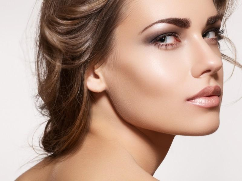 Woman with strobing highlighting
