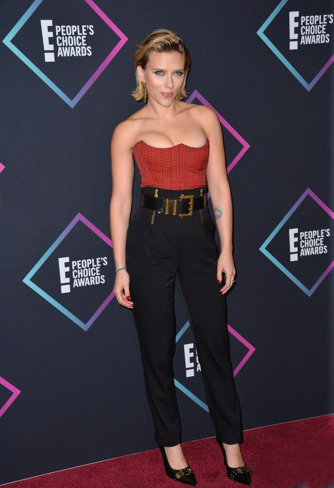 LOS ANGELES, CA. November 11, 2018: Scarlett Johansson at the E! People's Choice Awards 2018 at Barker Hangar, Santa Monica Airport.